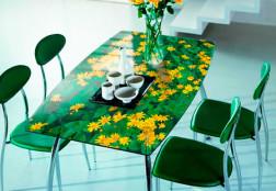 Мебель из стекла и цветов